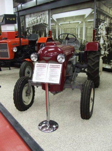 Jakie części do traktora wybrać?